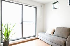 ハウスクリーニングが必要な場所4:網戸、窓、サッシ
